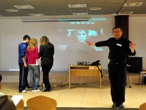Fenollosa en una actividad de coaching con estudiantes de Almassora